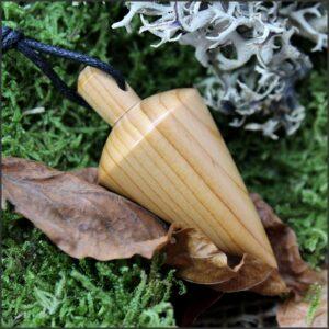 Pendule cône en bois d'if