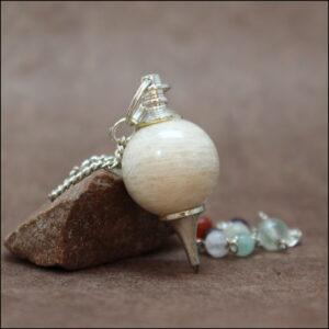 Pendule pierre de lune chakras