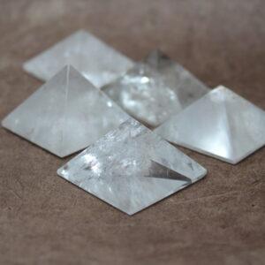 Mini pyramide de cristal de roche